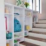 гардероб под лестницей