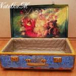 чемодан для новогодних украшений