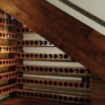 винохранилище под лестницей