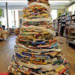 необычные елки из книг