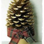 необычная елка из шишек