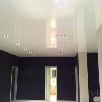 как сделать чтобы потолки казались выше