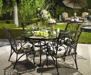 как чистить садовую мебель