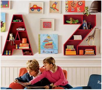 Полки в детской комнате