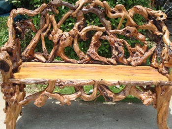 лавка из прутьев